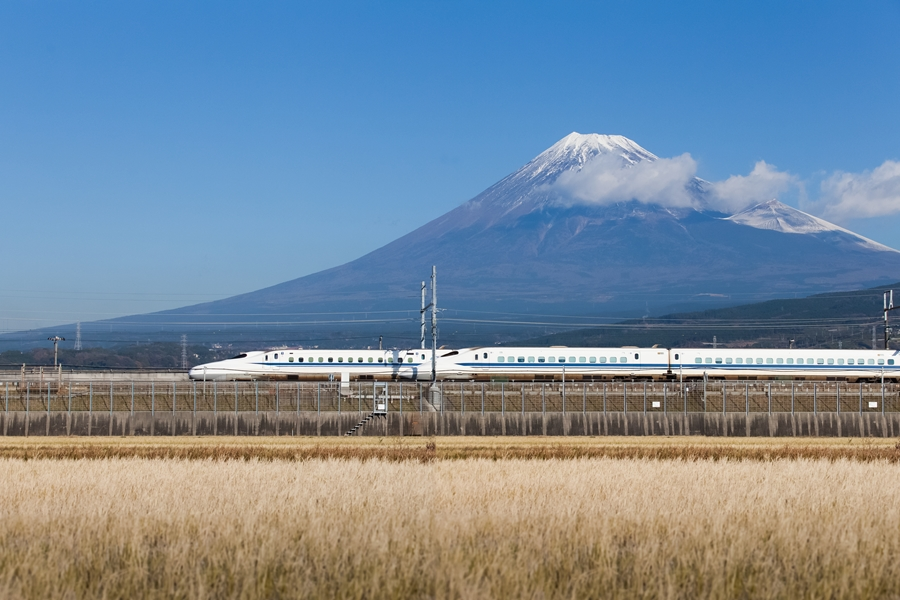 Japan Mount Fuji met bullet train Shinkansen