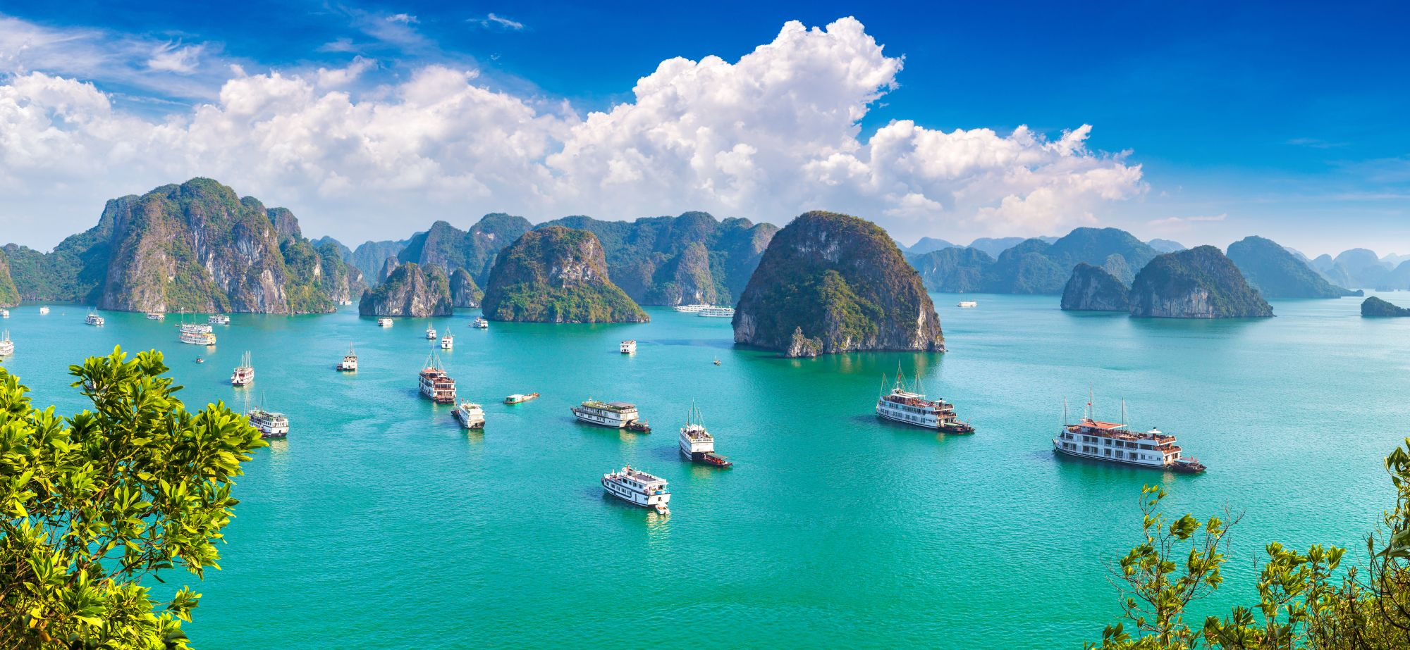 Vietnam Halong Bay overview